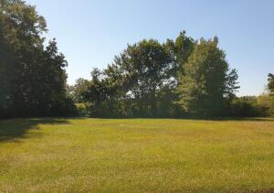 Columbiana, AL - Residential Double Lot.   .8 +/- Acres