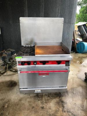 Vulcan 2-Burner/24in Flat Griddle/Stove Combo - Gas