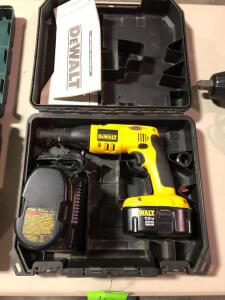 New DeWalt 18V Cordless Drywall/Deck Screwdriver with (2) 18V Batteries and Charger