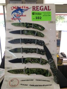 Display with Marlin Pocket Knives