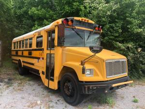 2001 Thomas Freightliner FS65 Chassis School Bus
