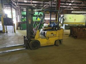UPDATED! - Caterpillar 50 Propane powered forklift - cranks - runs - operates (see video) - Needs brake work!
