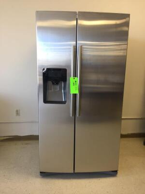 SS Side by Side Fridge/Freezer with Ice Maker (cubed and crushed), water dispenser, lighting, Mfg Date 2/2018, Model RS26H5111SR
