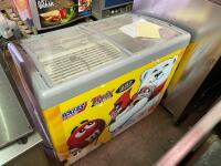 AHT Mayfield Ice Cream Cooler - 6