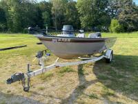 2004 Tracker Targa V-17 Fishing Boat