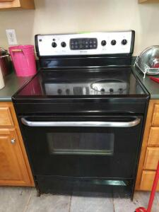 Frigidaire Self Cleaning Oven & Stove Top - Condition Unknown