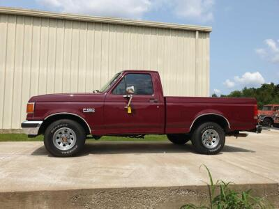 1990 Ford F-150 XLT Pick Up