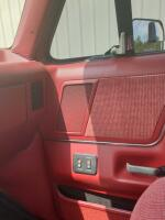 1990 Ford F-150 XLT Pick Up - 29