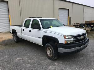 "2007 ""CHEVROLET"" 2500HD CREW CAB PICK UP; 6.0 ENGINE / 70,266 MILES,VIN# 1GCHC23U17F199636, RUNS AND DRIVES"