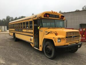"1993 ""FORD"" MODEL B700 SCHOOL BUS, SHOWS 132,633 MILES, WITH CUMMINGS 5.9 L DIESEL ENGINE, VIN# 1FDXJ75C8PVA09934,RUNS AND DRIVES"