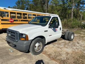 2006 Ford F-350 Cab n Chassis