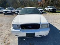 2009 Ford Crown Victoria - 3