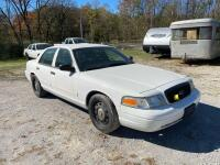 2009 Ford Crown Victoria - 4