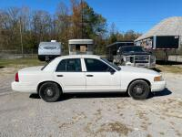 2009 Ford Crown Victoria - 5