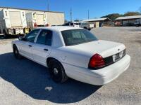2009 Ford Crown Victoria - 8