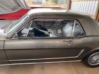 1965 Ford Mustang - partially restored - 9