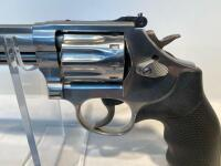 Smith & Wesson 617-6 22LR Revolver - 7