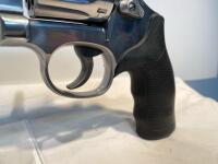 Smith & Wesson 617-6 22LR Revolver - 9