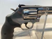 Smith & Wesson 617-6 22LR Revolver - 17