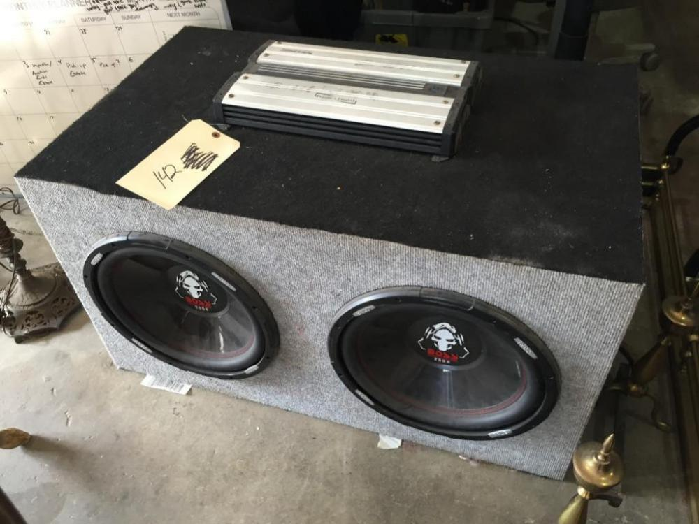 2) Boss 2500 Watt Kickers with Phonics Digital 2-Channel