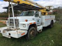 1990 Ford F-800 Altec Bucket Truck