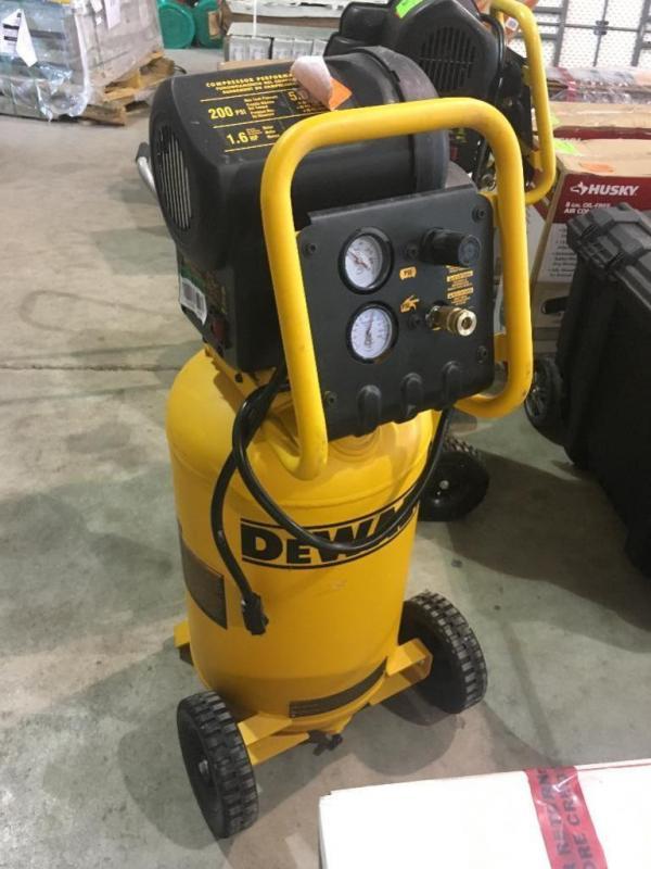 Lot 105dewalt 15 Gallon Air Compressor 200psi