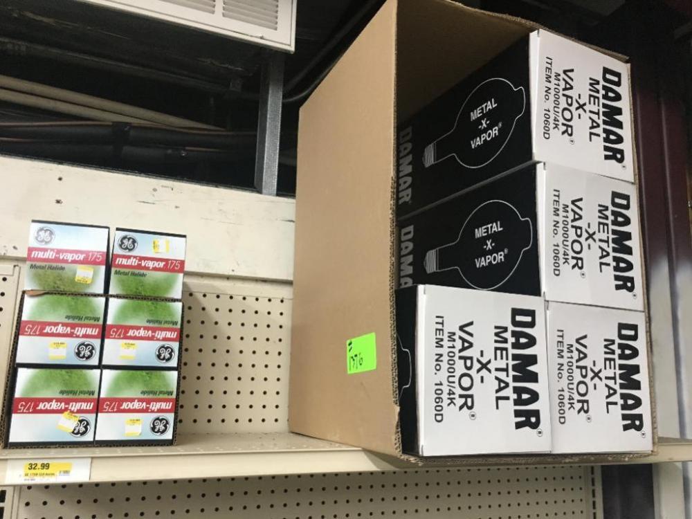 Lot- Danmar Warehouse Bulbs and Multi-Vapor 175 Flood Lights